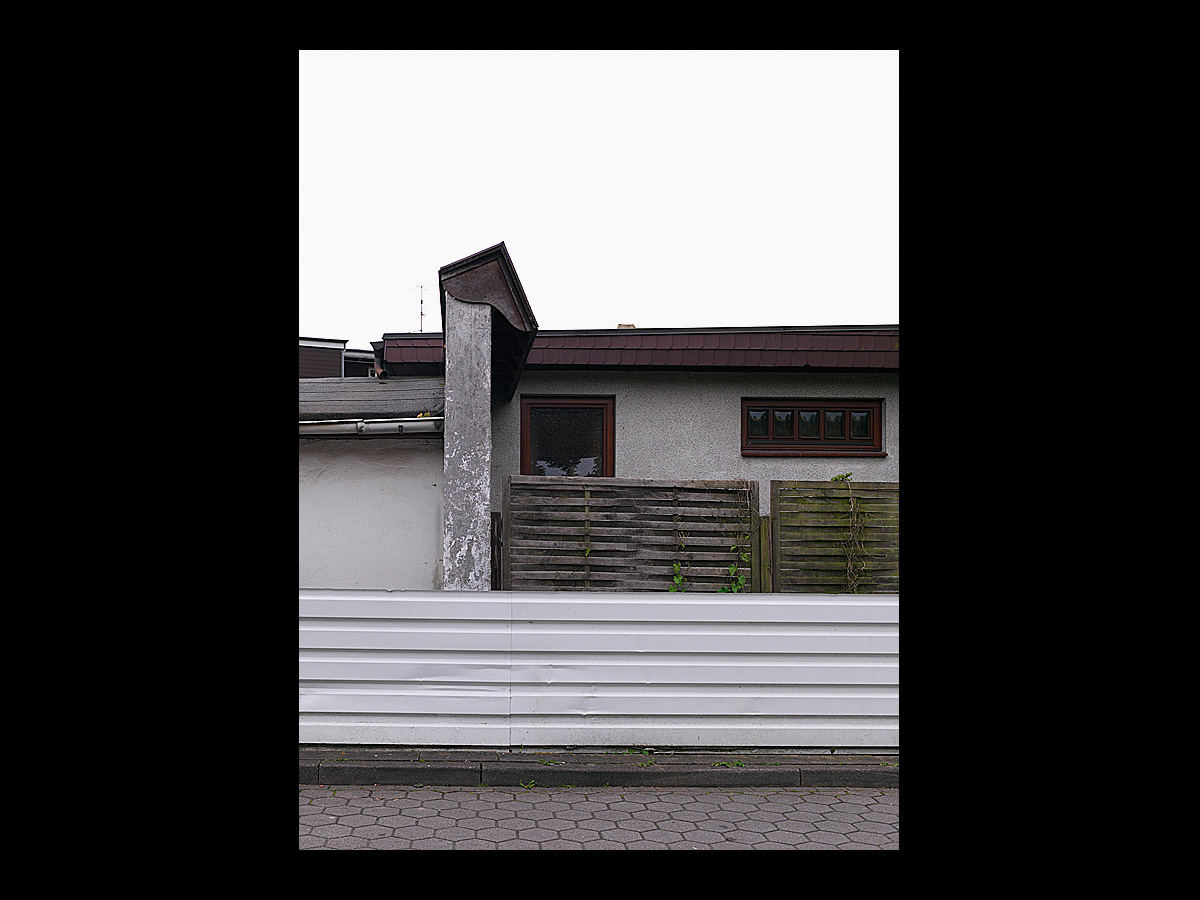 2058 1 daniel sumesgutnerdaniel sumesgutner. Black Bedroom Furniture Sets. Home Design Ideas